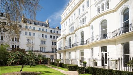 One Bedroom Apartment in Garden House, W2 - Winston Crowns